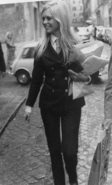 Vintage Style Ladylike Suits Brigitte Bardot 1967 Rome Italy