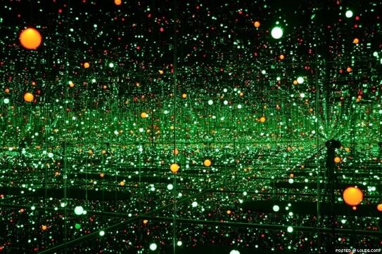 Yayoi Kusama Infinity Dot Green