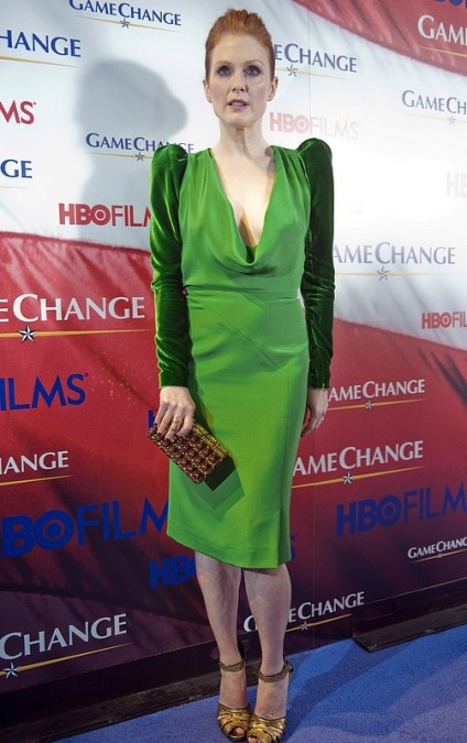Julianne Moore In Tom Ford Eco Green Dress Game Change Washington Premiere3