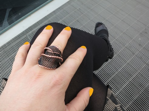 Brass Layer Mesh Ring Orange Nails