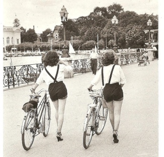 Vintage Photos of Ladies with Bicycles2